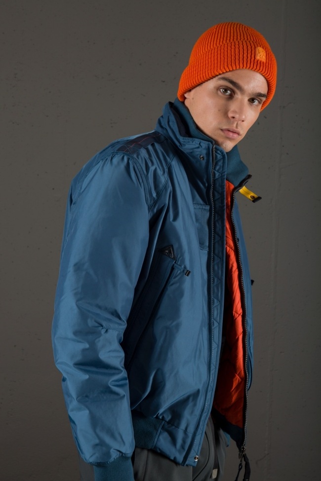 Parajumpers4